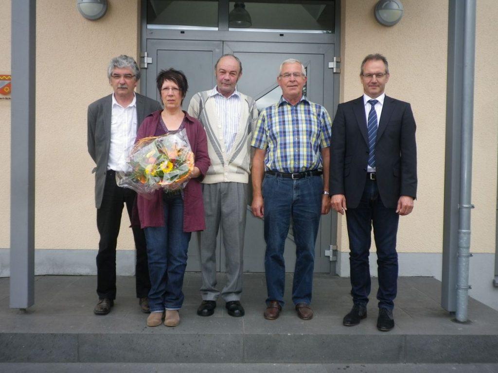 Die ausscheidenden Ratsmitglieder mit Ortsbürgermeister Bruno von Landenberg: v.l.n.r. Pierre Klas, Margret Bartz, Gottfried Schröder, Reinhard Schüller
